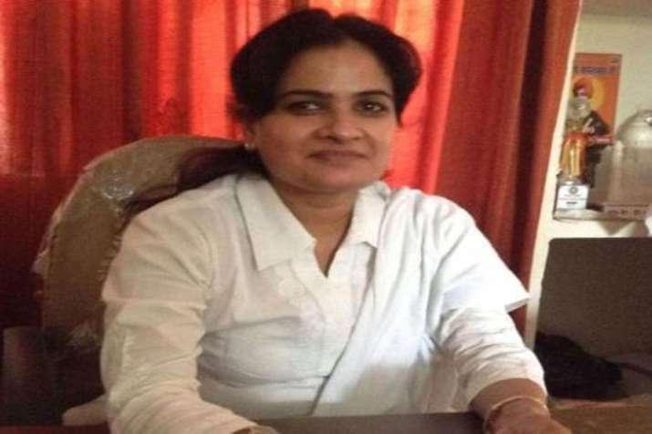 Newly elected UP Bar Council president shot dead in Agra court- India TV