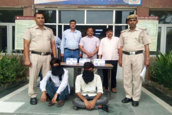 Two Robbers arrested in Delhi- India TV