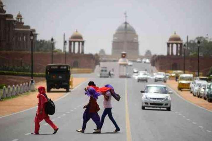 दिल्ली में आज बारिश होने, धूल भरी आंधी आने की संभावना- India TV