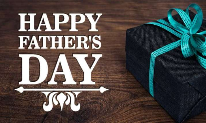 Five Gifts from Samsung that Your Tech-Savvy Dad Will Love this Father's Day- India TV Paisa