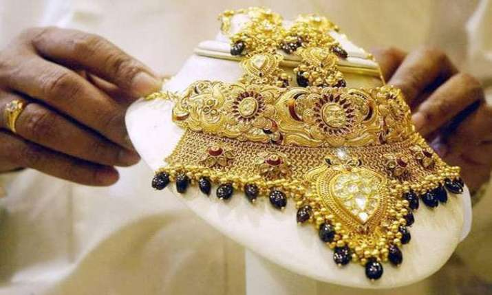 Gem and jewellery industry seeks lower customs duty on gold- India TV Paisa