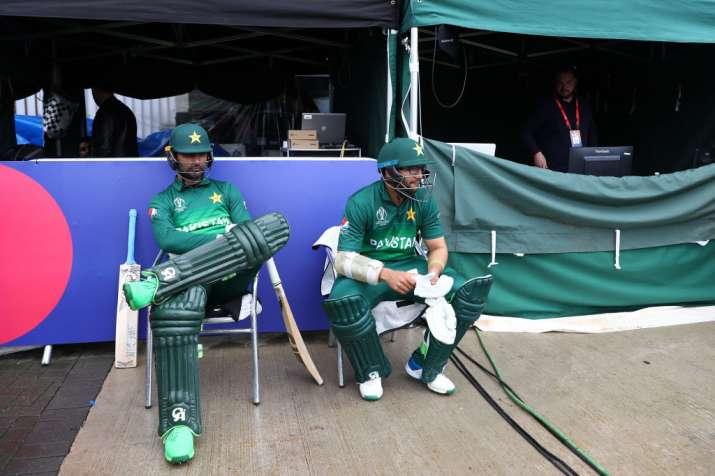 पाकिस्तान के सलामी बल्लेबाज- India TV