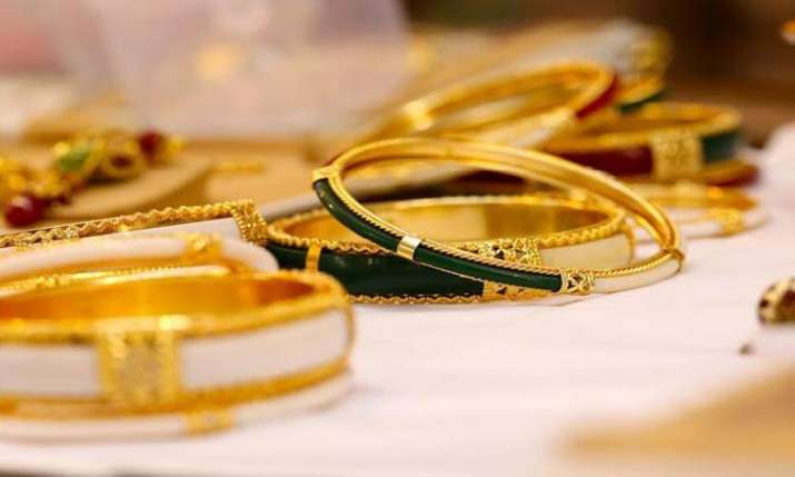 Gold surges Rs 300 on fresh buying, strong global trend- India TV Paisa