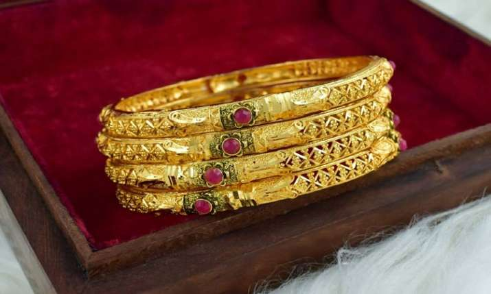 Gold, silver prices rise on increased offtake- India TV Paisa
