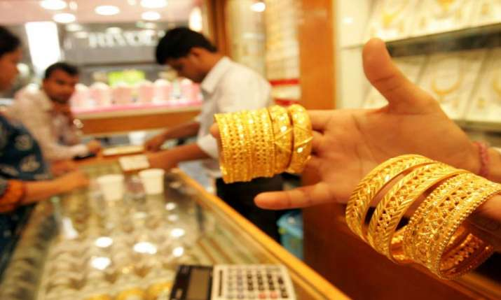 Gold prices zoom Rs 280, crosses Rs 34,000 mark- India TV Paisa