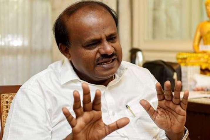 BJP accuses Karnataka CM H D Kumaraswamy of openly threatening, abusing scribes- India TV