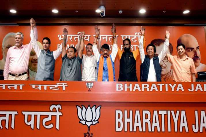 Mamata Banerjee's govt may not survive till 2021: BJP leader Kailash Vijayvargiya- India TV