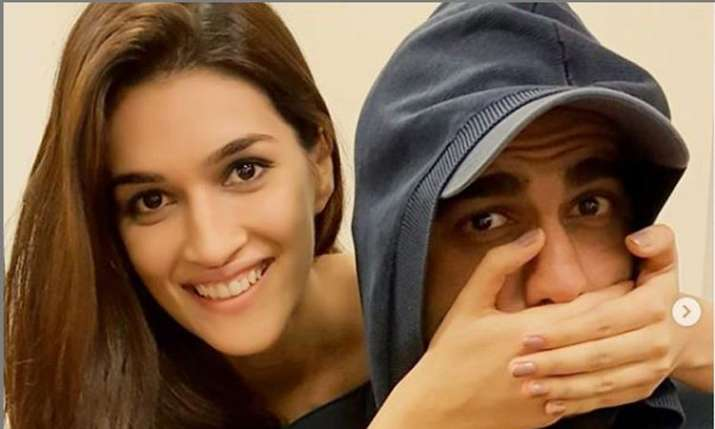 KritiSanon, Arjun Kapoor- India TV