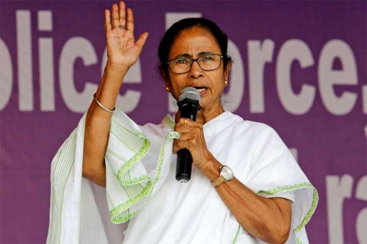 Mamata Banerjee changes Facebook, Twitter display picture to 'Jai Hind, Jai Bangla' | PTI File- India TV