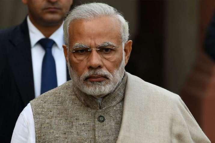 मोदी सरकार की बड़ी कार्रवाई; रिश्वत, यौन उत्पीड़न के आरोप में कई अधिकारी सेवामुक्त- India TV
