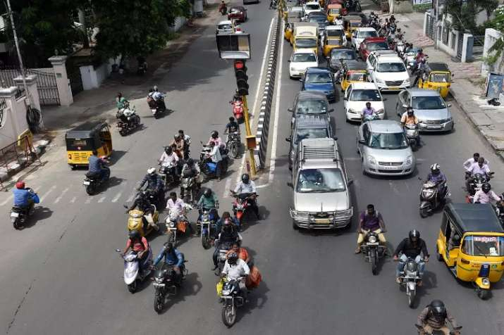 Govt approves Motor Bill, steep penalties for traffic offences proposed - India TV Paisa