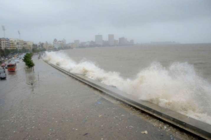 मुंबई में मॉनसून से पहले चक्रवाती तूफान का खतरा, अगले 48 घंटों के लिए अलर्ट जारी- India TV