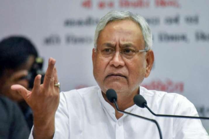 क्या नीतीश कुमार बढ़ा रहे हैं बीजेपी से दूरी? धारा 370 पर दिया यह बड़ा बयान- India TV