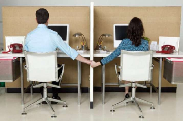 Office romance: Experts warn against conflict of interest- India TV Paisa