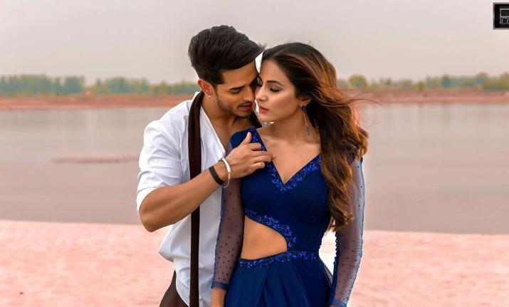 हिना खान-प्रियांक...- India TV