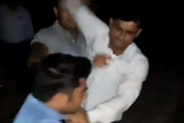GRP SHO and constable suspended for thrashing and allegedly urinating on journalist- India TV