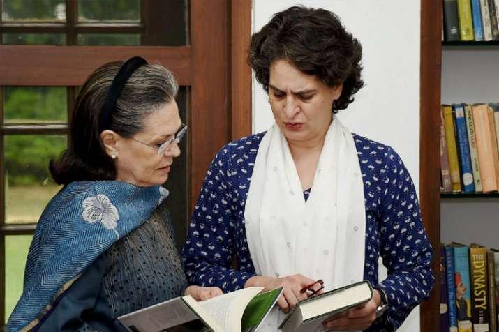 मतदाताओं का आभार जताने के लिए रायबरेली का दौरा करेंगी प्रियंका, सोनिया- India TV