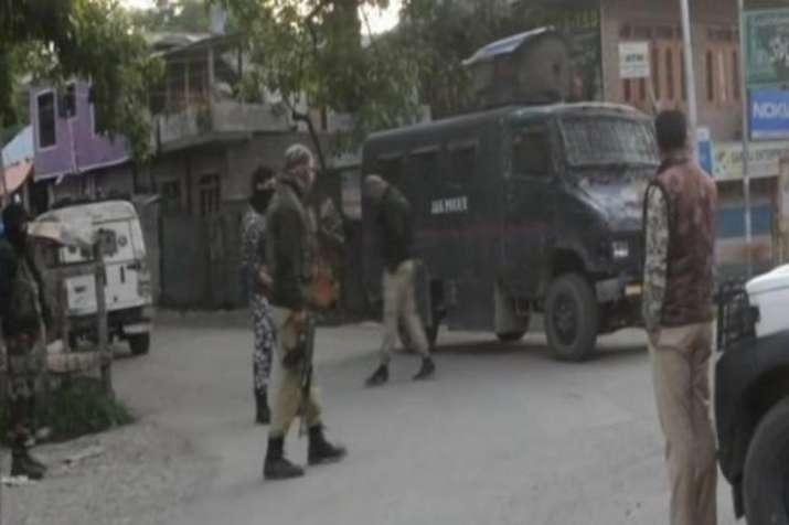 कश्मीर के सोपोर में मुठभेड़ में एक आतंकवादी ढेर, सर्च ऑपरेशन जारी- India TV