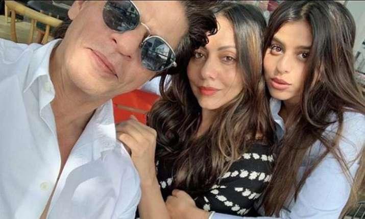 Shah Rukh Khan, Gauri Khan, Suhana Khan- India TV
