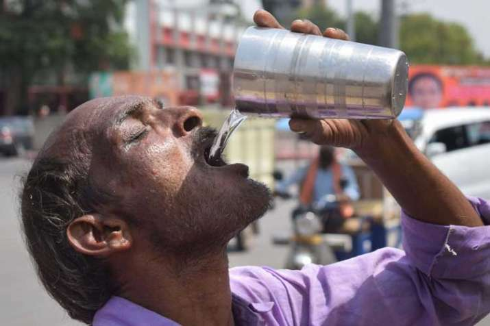 India battles heatwave conditions, Churu hottest at 50.3...- India TV