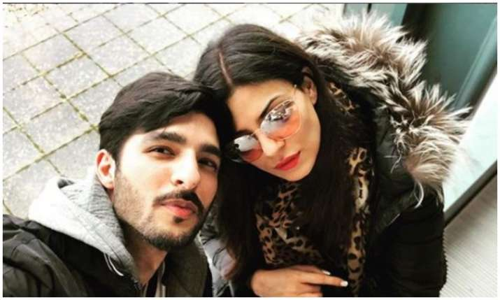 Rohman shawl and Sushmita sen- India TV