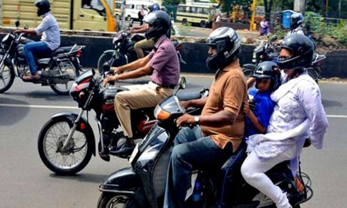 now No two-wheeler registration without helmet, Government issued order- India TV Paisa