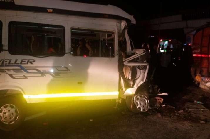=Massive road accident, three dead- India TV
