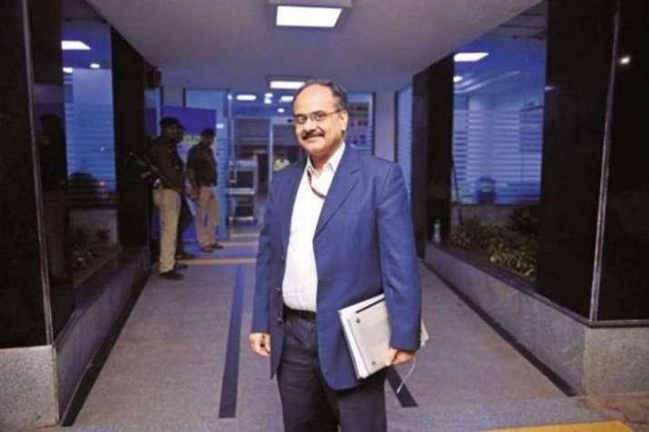 अजय भूषण पांडे, राजस्व सचिव - India TV Paisa