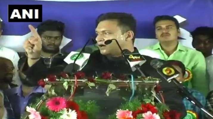 AIMIM leader Akbaruddin Owaisi again give controversial speech- India TV