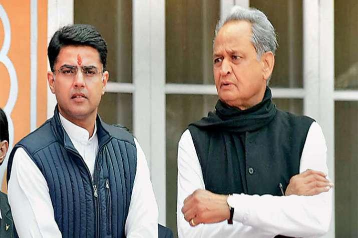 'मेरे सिवाय कोई और बन ही नहीं सकता था मुख्यमंत्री'- India TV