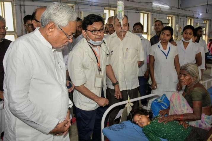 बिहार विधानसभा में हंगामा, विपक्ष स्वास्थ्य मंत्री के इस्तीफे पर अड़ा- India TV