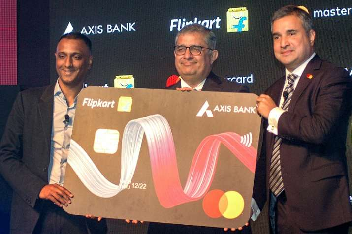 MD & CEO of Axis Bank Amitabh Chaudhry, (C), CEO of the Flipkart Group Kalyan Krishnamurthy (L) and - India TV Paisa