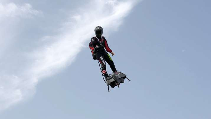 Franky Zapata, the flyboard inventor fails in his attempt to cross English Channel | AP Photo- India TV