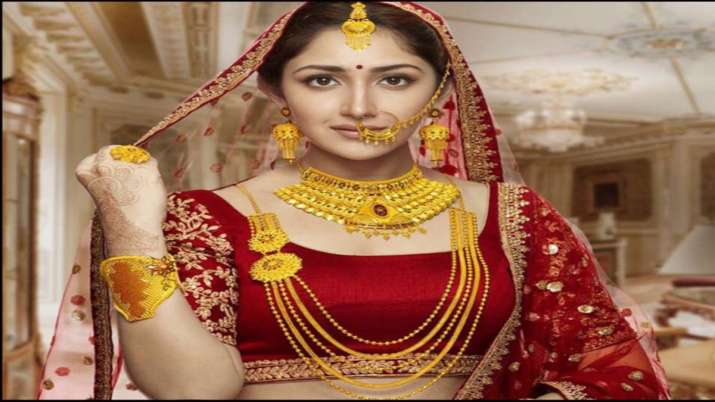 Gold nears Rs 36,000 mark, silver jumps Rs 935- India TV Paisa
