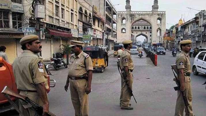 कम रेटिंग देने का संदेह, कर्मचारी ने वरिष्ठ पर चाकू से किया हमला- India TV