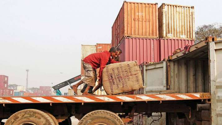 Exports dip 9.71 pc after gap of eight months- India TV Paisa