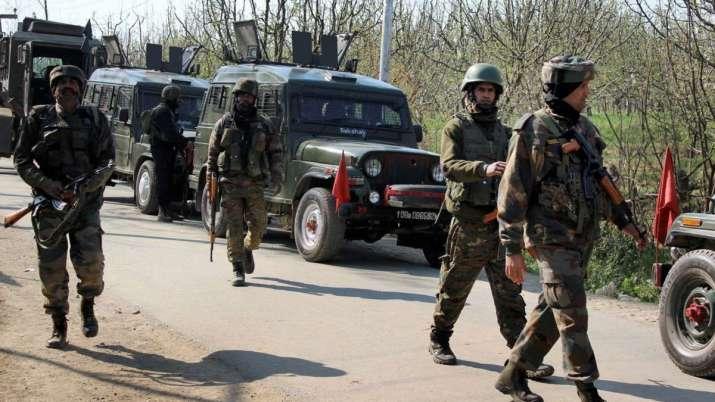 शोपियां मुठभेड़ में जैश कमांडर मुन्ना लाहौरी समेत 2 आतंकी ढेर, कुपवाड़ा में जवान शहीद- India TV