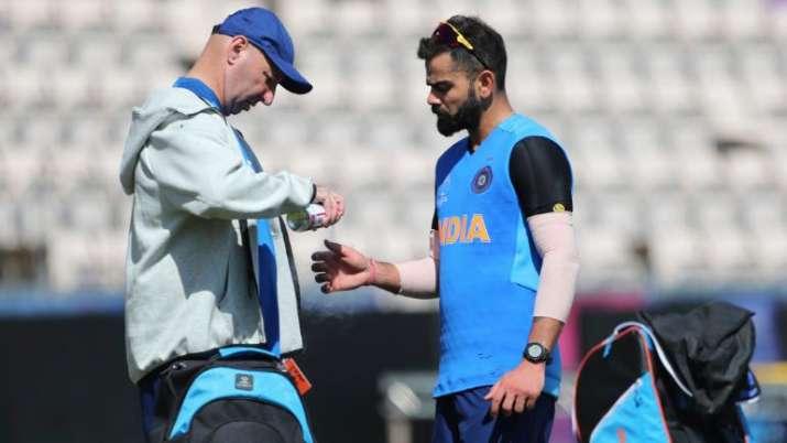 टीम इंडिया के साथ खत्म हुआ फीजियो पैट्रिक और फिटनेस कोच बासु का कार्यकाल, कोहली ने कहा- शुक्रिया- India TV