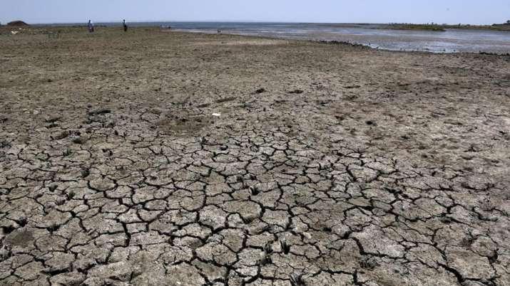 देश के कई राज्य बाढ़ से हैं बेहाल लेकिन यहां के 550 गाँवों में है पानी की किल्लत- India TV