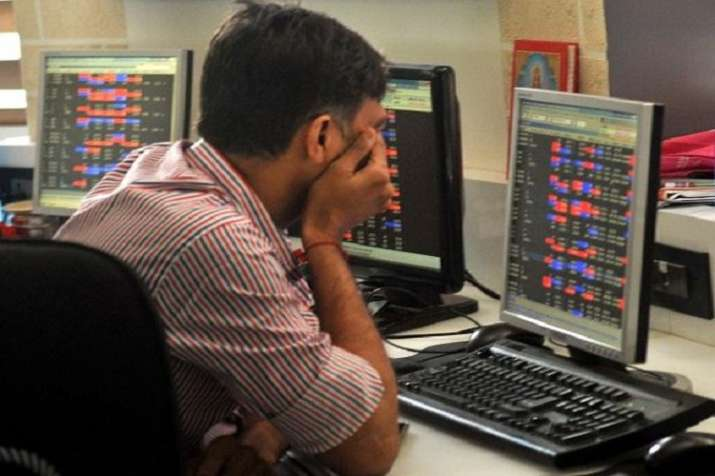 Sensex ends 196 pts lower on weak global cues - India TV Paisa