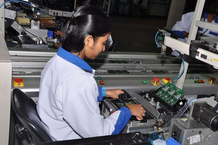 IAMAI report moots road map to manufacture 1 billion handsets annually- India TV Paisa