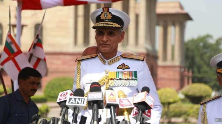 अब भारतीय सेनाओं को चीन को जवाब देने की जरूरत है: नौसेना प्रमुख- India TV