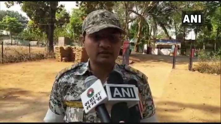 Naxal carrying reward of Rs 5 lakh on his head is killed in an encounter in Dantewada- India TV