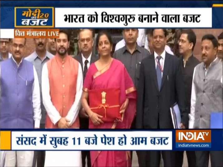 Union Budget 2019: इसलिए लाल रंग के कपड़े में आया बजट दस्तावेज- India TV Paisa