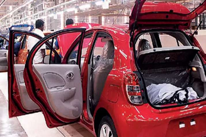 Carmaker company Nisan net profit is 95 percent compare will lay off staff- India TV Paisa
