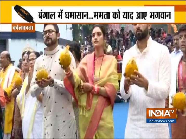 नुसरत जहां की 'जय जगन्नाथ' के बाद आया बयान, खुद को बताया पैदाइशी मुसलमान- India TV