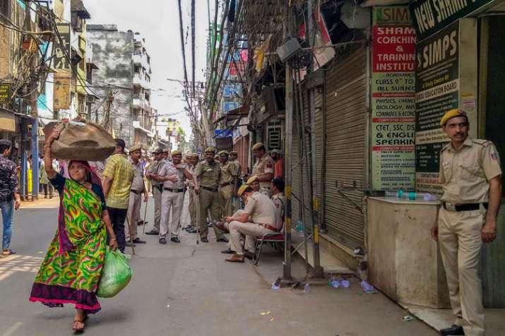 Three arrested, including a minor, for vandalising temple in Chawri Bazar's Hauz Qazi- India TV
