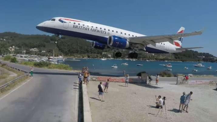 British Airways jet terrifies tourists while landing at Skiathos airport in Greece | Cargospotter Vi- India TV