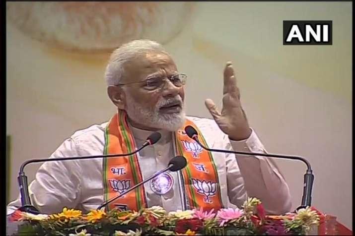pm modi speaks on budget 2019 and 5 triloion economy of india in varanasi- India TV Paisa
