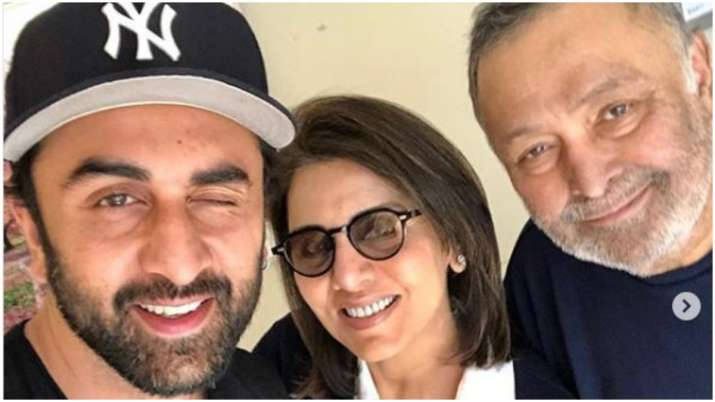 Rishi kapoor with wife and son- India TV